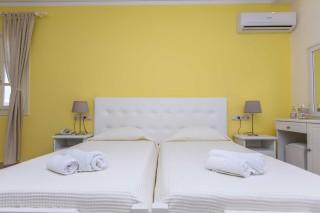 golden-coast-room-04
